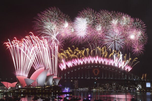 Happy New Year 2018 Sydney Ring In The New Year With Spectacular