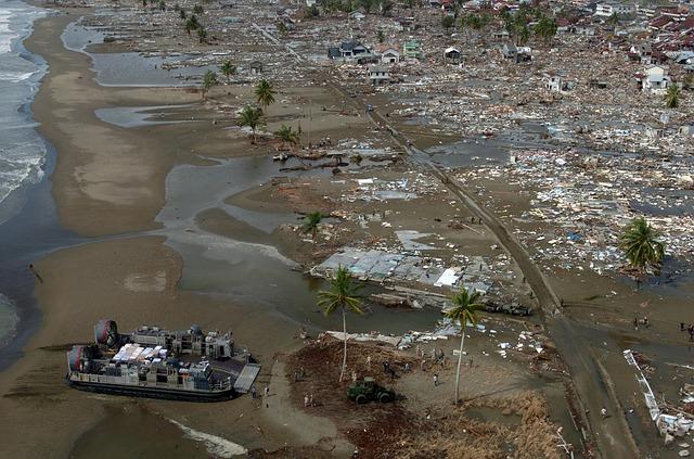 Christmas Tsunami.Sad News This Christmas Day 373 Dead And 1 400 Badly
