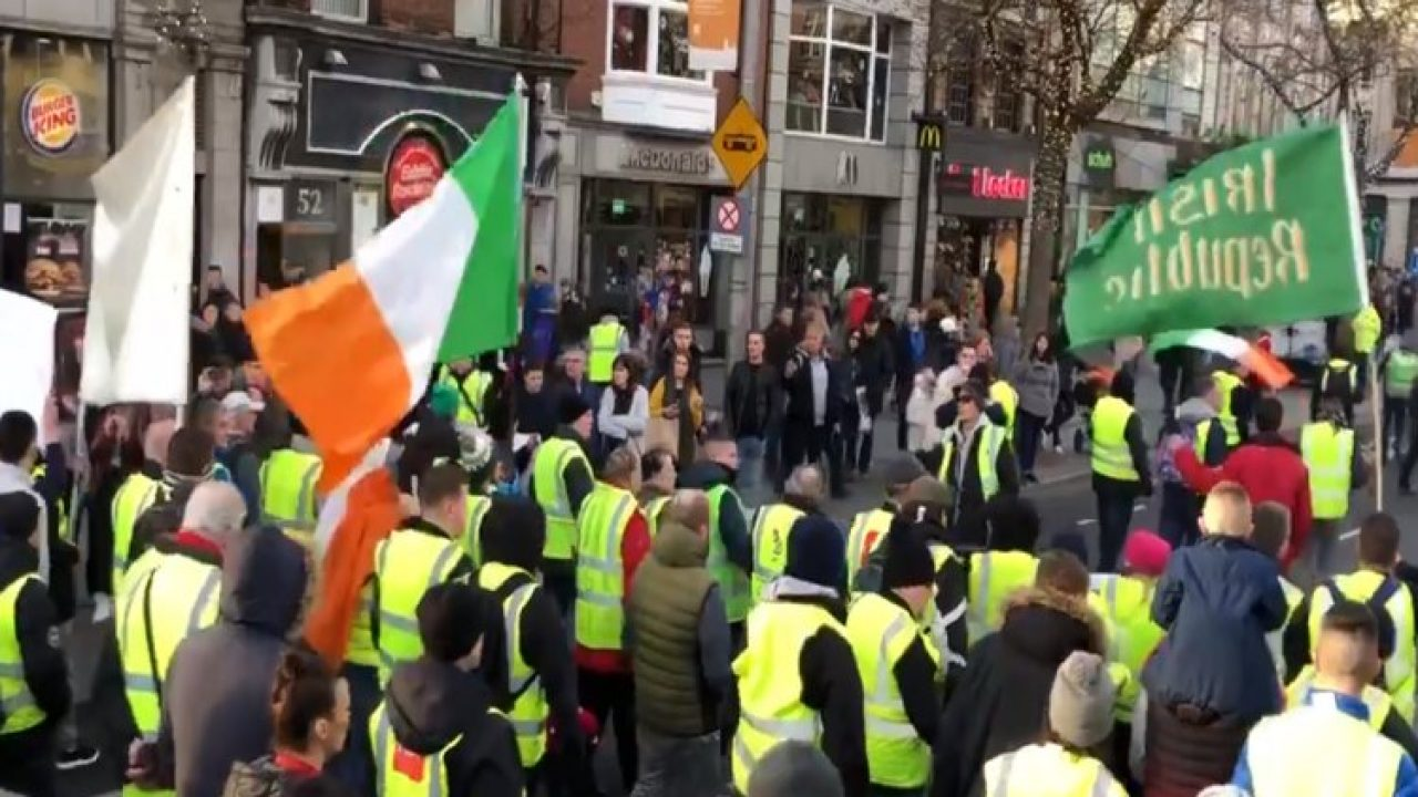 Yellow Vest Ireland : Sunday Morning Coming Down